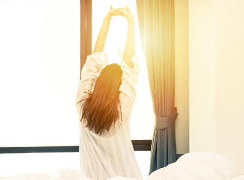 dormire poco fa bene al corpo