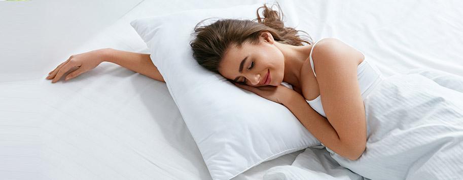 dormire bene con un cuscino adatto, migliora il sonno