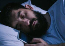 onde magnetiche, dormire lontano dai dispositivi